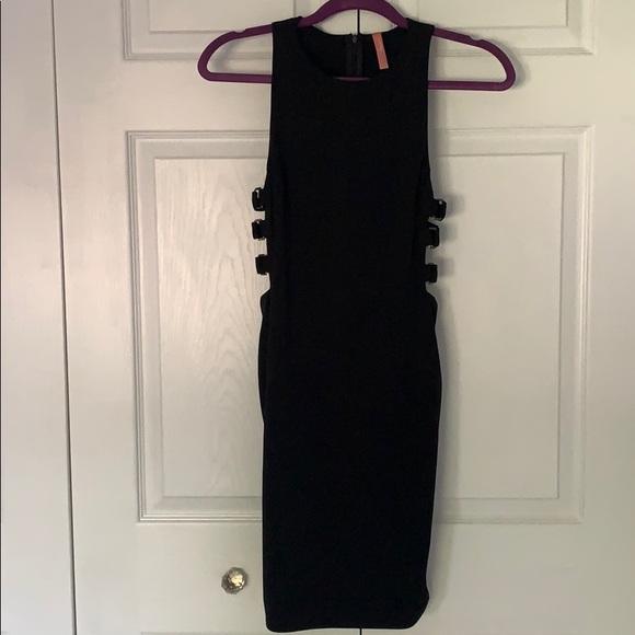 Dresses & Skirts - Black Bodycon mini dress NEVER WORN